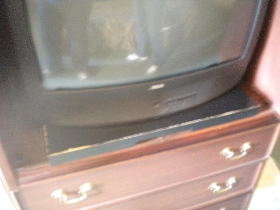 Econo Lodge Rockville: TV Stand