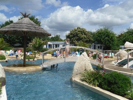 Sunêlia L'Escale St-Gilles : pool