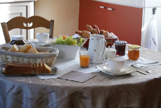 La Rose des Champs : Le petit déjeuner dans le salon privée