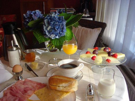 Vondel View B&B: breakfast in room