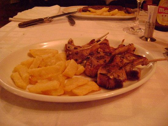 """Meson La Cueva: Restaurante, """"Mesón La Cueva"""", Burgos"""