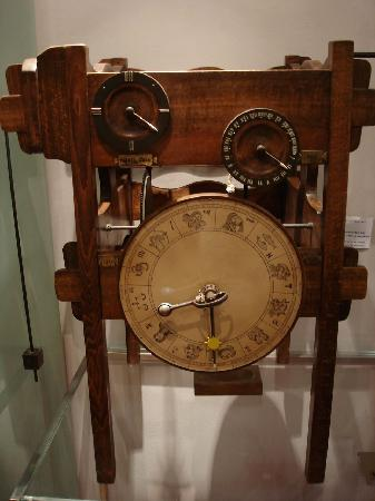 Vinci, Italien: Meccanismo Orologio