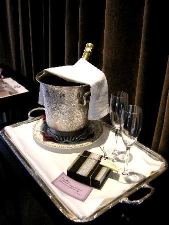Hotel Palazzo Barbarigo Sul Canal Grande: Welcom Champagne