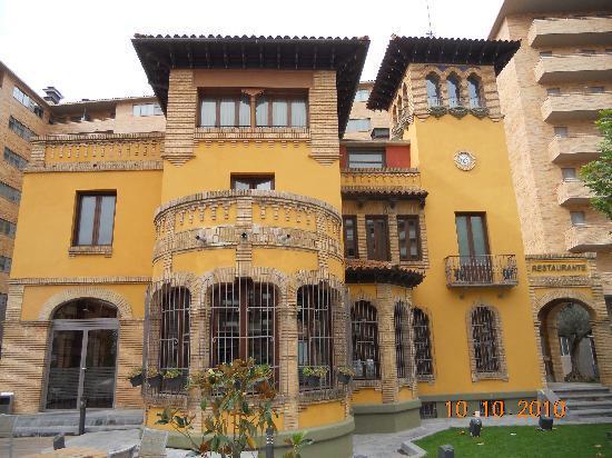 Entrada fotograf a de hotel castillo de ayud calatayud - Castillo de ayud ...