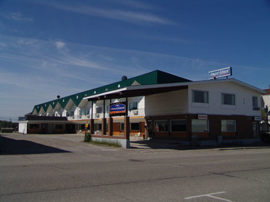 Travel Inn & Suites: Hotel Front