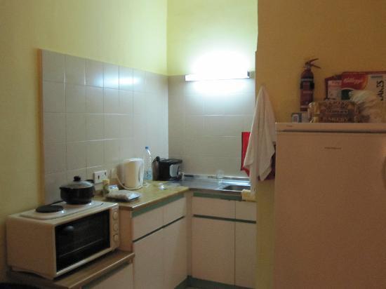 Burlington Apartments: Kitchen