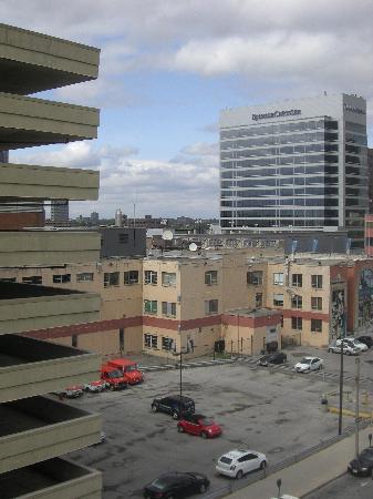 Quality Suites Downtown Windsor: Utsikten var väl inget att hurra för direkt