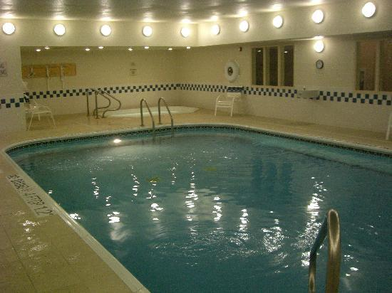 Fairfield Inn Scranton: Poolen