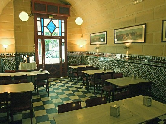 Como decorar un bar de tapas fabulous mobiliario de hostelera de diseo zona the level hotel - Decorar un bar de tapas ...
