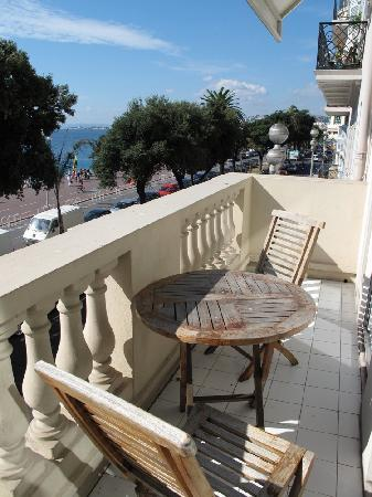 Mercure Nice Marche aux Fleurs: The balcony of room 123