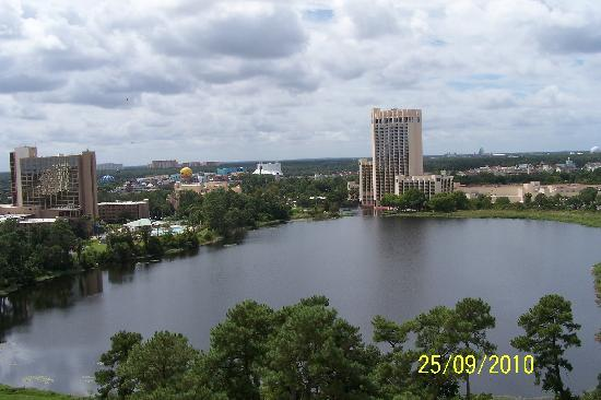 BEST WESTERN Lake Buena Vista Resort Hotel: Disney View from our hotel Balcony