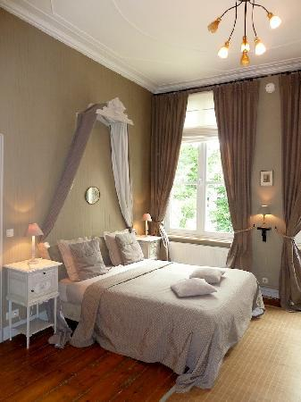 Huyze Hertsberge: suite empire bedroom