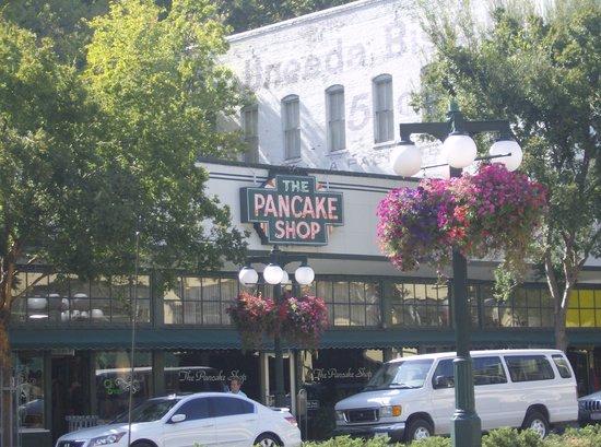 The Pancake Shop: The front door