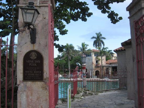 Coral Gables, FL: Entrance