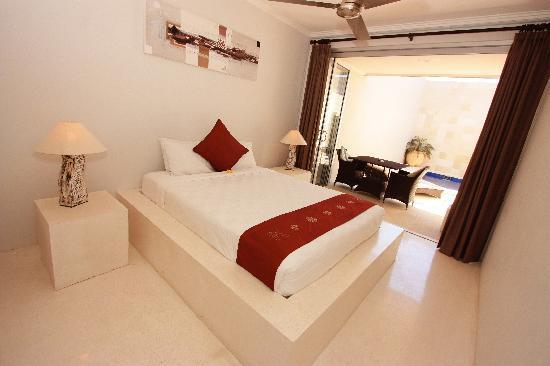 Kuta Regency Villa (B10) : Master Bedroom