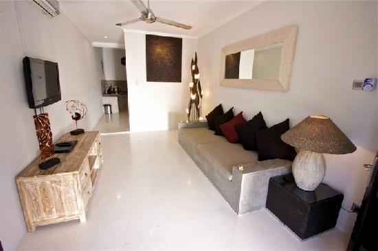 Kuta Regency Villa (B10): Lounge Room