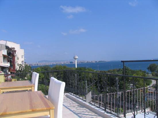 City Guesthouse Istanbul: terrace