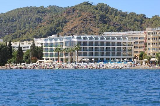 Hotel Marbella: Exterior of Marbella Hotel - Taken From Taxi Boat