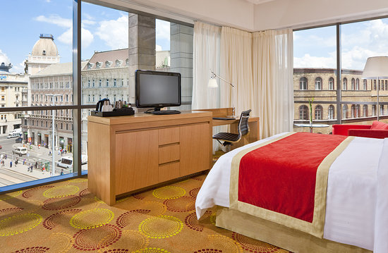 Courtyard Budapest City Center: Largest Guest rooms in area