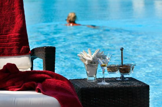 SENTIDO Kenzi Menara Palace: Swimming pool
