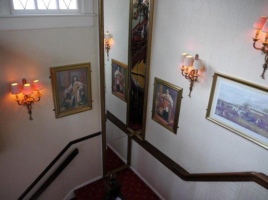 Hotel de Doelen : 階段