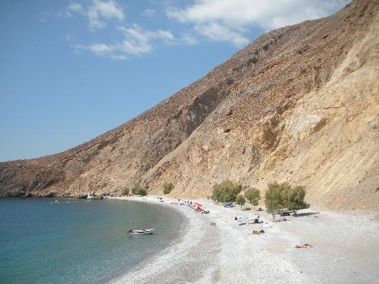 Loutro, Yunanistan: Sweetwater Bay looking east