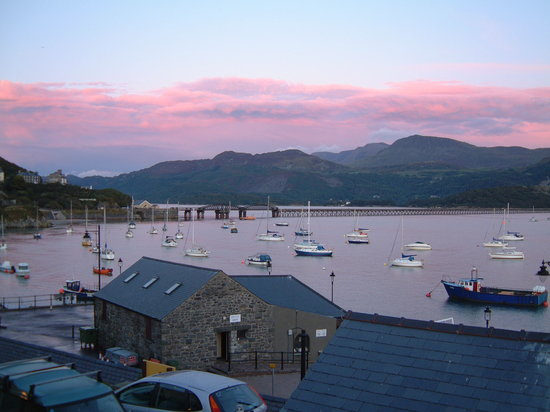 Sunrise over Barmouth Bridge from Sunray
