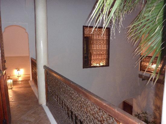 Riad l'Orangeraie: outside gallery