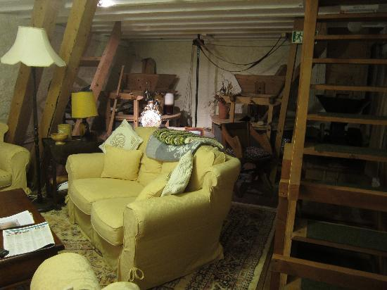Mill of Eyrland: Sitting Room