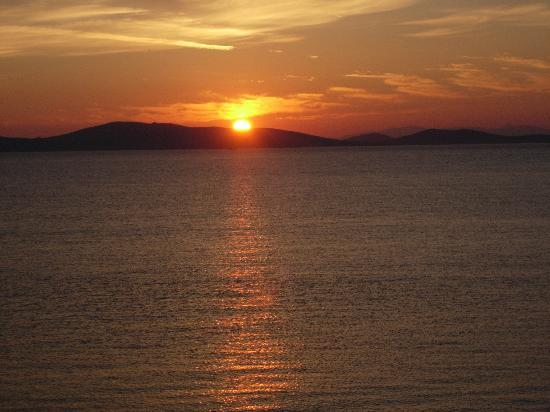 Mykonos Grand Hotel & Resort: This view at sunset everynight for 10 nights!