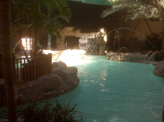 Marksville, LA: Pool and hot tub area
