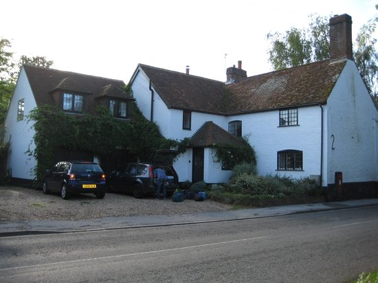 Sylvan Cottage mit Parkplätzen vor dem Haus