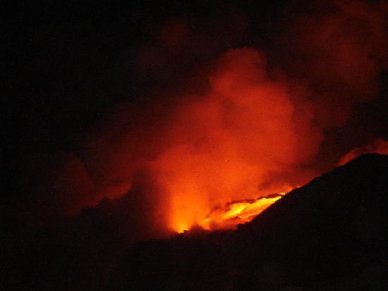VolcanoDiscovery Hawai'i: Active lava