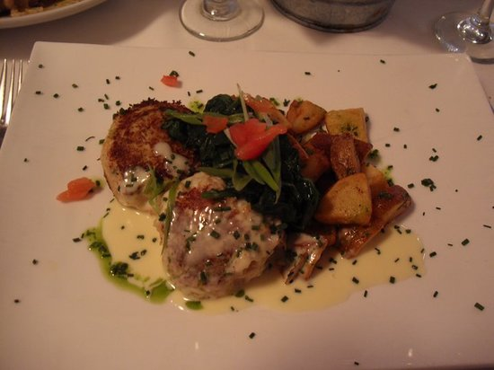 Black Duck on Sunset: Crab cake entree, with yukon gold potato's and sauteed spinach!