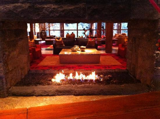 Tambo del Inka, A Luxury Collection Resort & Spa, Valle Sagrado: Fireplace