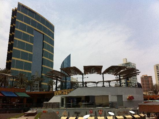 JW Marriott Hotel Lima : Hotel and Lacomar Mall