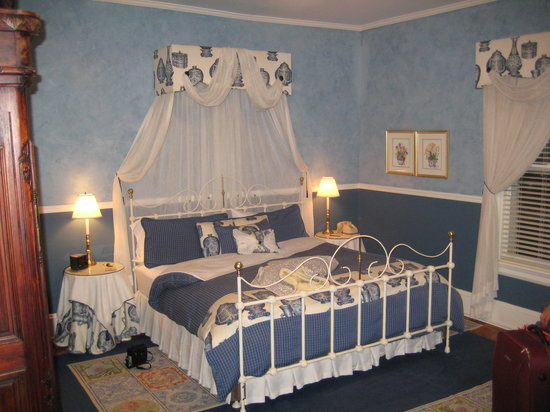 Albemarle Inn: The Blue Ridge Room