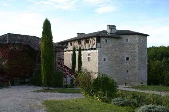 Chateau de Mayragues: view of the chateau