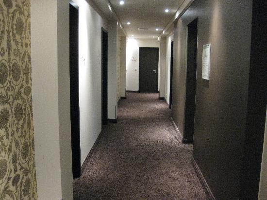 arcona LIVING GOETHE87: Hotel Hallway