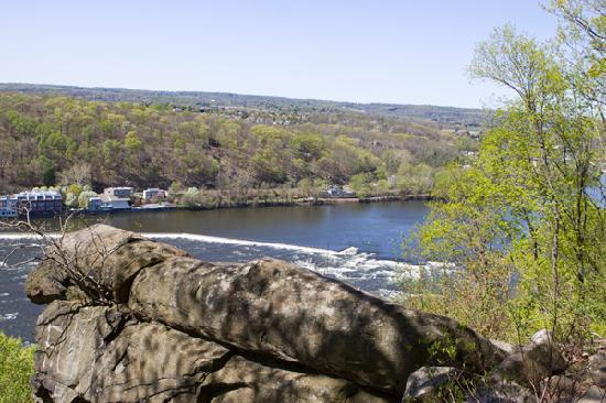 Chimney Rock Bed And Breakfast