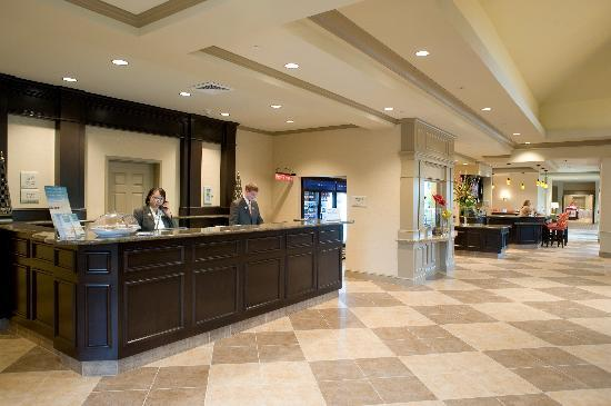Hilton Garden Inn Pensacola Airport -Medical Center: Our friendly Front Desk Staff is delighted to assist you with all your needs!