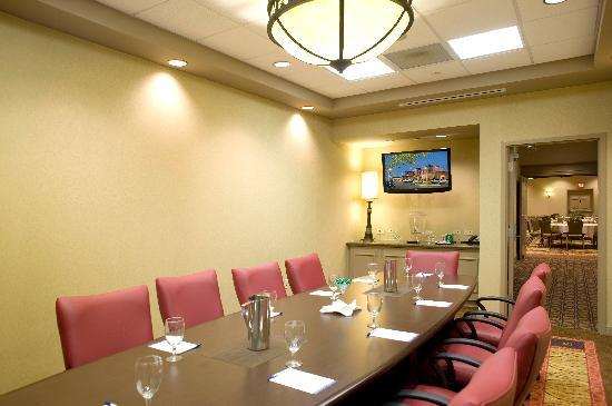 Hilton Garden Inn Pensacola Airport -Medical Center: Our Blanchard Boardroom will accomodate up to 10 people.