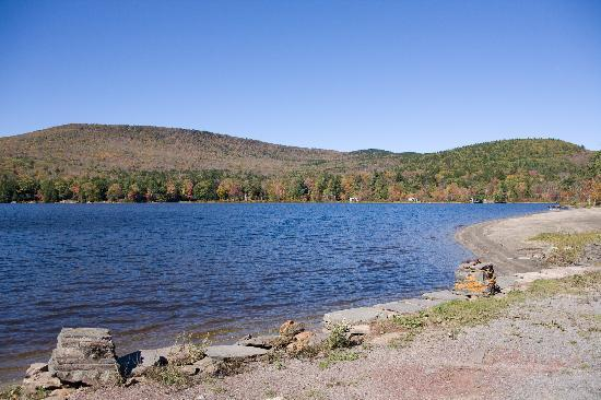 Catskill Lodge: North-South Lake