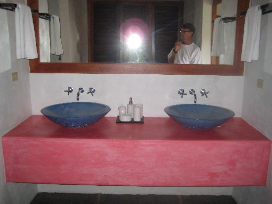 Hotel Casa de Campo Pedasi: Bathroom sinks in the Largest Room