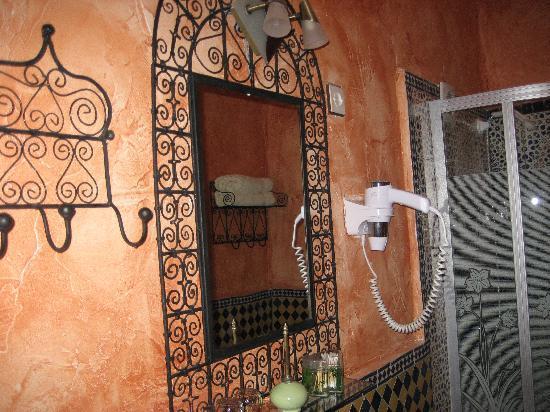 Riad Le Mazagao : salle d'eau