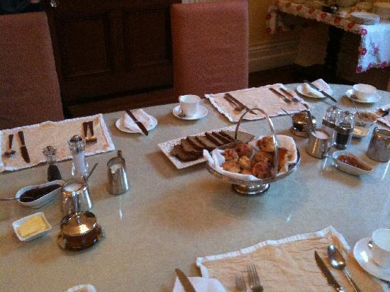 Knockeven House: Afternoon tea