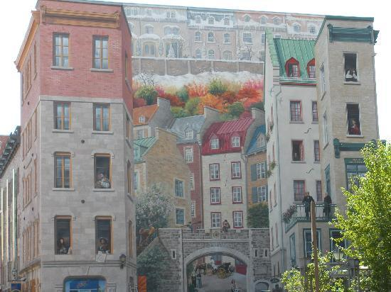 Building mural in old quebec picture of quebec city for Mural quebec city