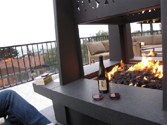 Fairmont Heritage Place, Ghirardelli Square : Terrace fire pit