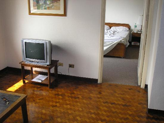 Sunny Bay Suites: Bedroom