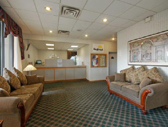 Days Inn Henrietta/Rochester Area: Lobby